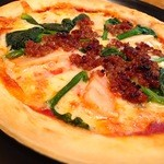 Live&Bar SECOND STEP - 季節のメニュー 春野菜のピザ 980円