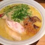 鳥鶏研究団 - 鶏白湯600円