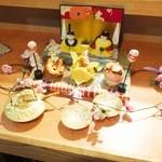24623715 - 寿司で出来ている雛飾り
