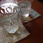 24623883 - コースターゃお水のカップゃ…違っててかゎいぃ!(^O^)