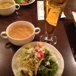 24632117 - +100円のおかわり自由なドリンク、サラダ、スープ
