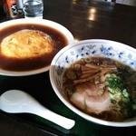三宝亭 - 天津飯630円とハーフラーメン醤油450円 計1080円