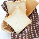 福島屋 - 焼く前の内麦食パン。