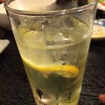 くし焼花八番 - ドリンク写真:レモンチューハイ。 なんか濃くて美味しい。