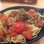 24643491 - フレッシュトマトとアサリのスパゲティ 1,200円