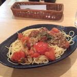 24643493 - フレッシュトマトとアサリのスパゲティ 1,200円