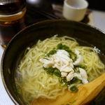 とり焼き たか田 - 鶏塩ラーメン 450円