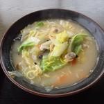 24646424 - 白菜ラーメン680円+100円