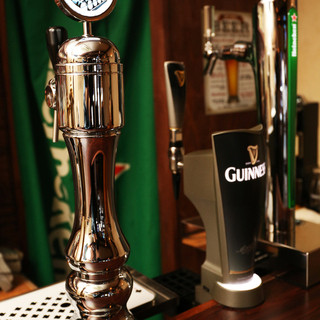 世界の樽生ビールが5種類飲める!