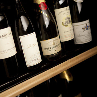 旬の食材を使った和食と、ワインを楽しめるお店です。