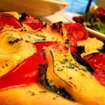*トマト•クロレラジェノヴェーゼソースのピッツア