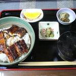 2466048 - うなぎ丼定食 1,900円