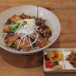Cafe tenba - 【恵水ポーク豚バラのっけ飯】思ったよりお肉がしつこくなく、おいしかったです。おすすめ!
