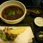 手打ちそば 蕎庵 かゆう  - 天ぷらそば1250円