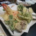 漫房 - 天ぷら盛り合わせと春野菜の天ぷら相盛り