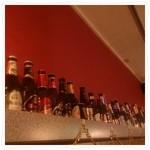 リオブール - スペインワイン、世界のビールなど50種近くのボトルをディスプレイ!好きなラベルを頼む!なんて楽しみ方もできます。
