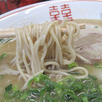 須恵三洋軒 博多店 - 博多ラーメンよりも太めで、むっちりとした麺も美味し♪
