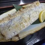 新造屋 - 刺身・焼魚定食
