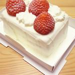 24672379 - ショートケーキ1,302円。