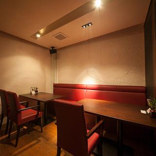 2~12名様可能な個室も完備してございます!