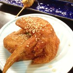 24678123 - 手羽先のから揚げ 柚子胡椒と、なすの串揚げ