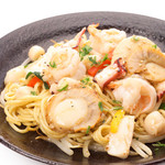 阿波水産 -  モチモチ麺を魚介類と塩ダレで仕上げました。シメは『麺』という方におすすめ。 お子様に人気なメニューとなっております!