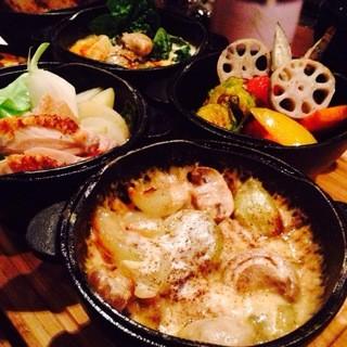 元祖名物ダッチオーブン料理&季節の東京食材ビストロ料理
