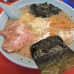 ラーメンショップ - 塩ラーメン(背脂チャッチャ) 塩はスープのダシの良し悪しがよくわかる。