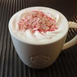 スターバックス・コーヒー - さくらチョコレートラテ with ストロベリーフレーバートッピング:430円