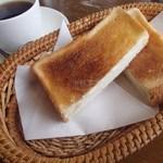 オックスコーヒーレストラン - 料理写真:モーニング・Bセット(550円)