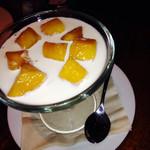 BISTRO MAHALO - マンゴーとココナッツのブラマンジェ580円