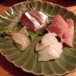 つくしんぼ - ランチの刺身(縞鯵・いか・鯛・まぐろ)定食(900円)2014年3月