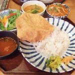 上亀 - 深川インド定食(1000円) メインのカレーは寒ブリ