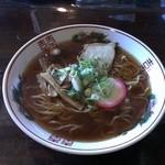 かん太 - 料理写真:煮干しの効いた中華そば!なんかなつかしい味