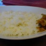 欧風カレー キュリー - ライス(普通)と福神漬け