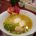 黄金の塩らぁ麺 ドゥエイタリアン - 【フロマージュラーメン生ハムのせ】¥1200