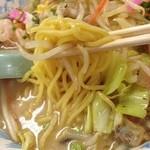 博多 龍龍軒 - 博多ちゃんぽん:麺アップ