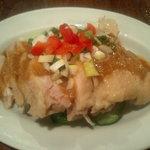 龍王門 - 台湾風棒棒鶏(蒸し鶏の冷製ゴマソース)