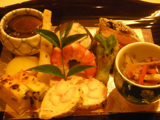 てまり弁当の口コミ + とうふ大阪料理のりたけシェ …