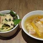 ビーフマン - まずはサラダとスープを楽しみます