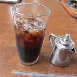 たべった - ランチにはコーヒーが付いててアイスかホットが選べましたが2月とはいえ案外暖かい日だったんでこの日はアイスコーヒーにさせていただきました。