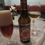 24710624 - パレスチナの「タイベビール」、レバンノンの白ワイン