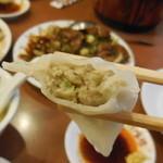六福楼 - 特製上海餃子断面