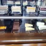 マクドナルド - マックカフェの方にはケーキも有りました