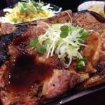 帯広ぶた丼 - にんにくダレをチョイスw