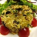 ガストロパブ エールズ - 旬のタパス『つわぶきのタブレ』春の食材を使った粒上パスタのミニサラダ。他にも多数ご準備おります。