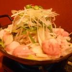 24715899 - 安、旨、多の豪華なモツ鍋