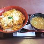 とんかつと和食 てつ兵衛 - このカツ丼が¥1,000近くのお値段?