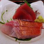 24717618 - お刺身(鮮魚の刺身と天ぷら定食)