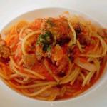 ザ キッチン サルヴァトーレ クオモ - 玉葱とサルシッチャのトマトパスタ